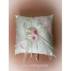 Rózsaszín gyűrűtartó párna