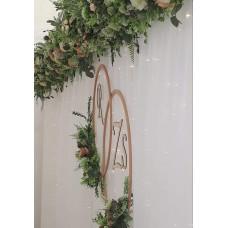 Főasztalháttér Greenery selyemvirág dekorral