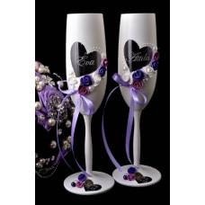 Lila-fehér pezsgős poharak