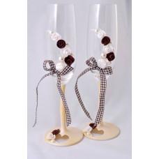 Barna-fehér esküvői poharak