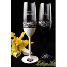 Fekete fehér esküvői poharak