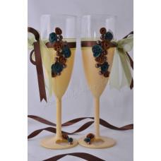 Mohazöld-barna pezsgős poharak